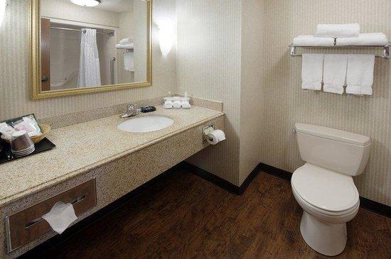 Best Western Plus Clearfield: Bathroom