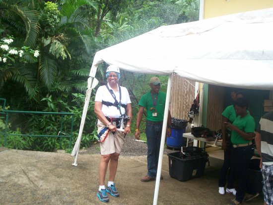 Aanansi ATV Tours : Getting ready for zip line