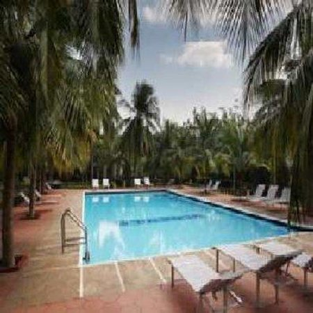 Pleasant Days Family Resort Hotel: Swimming Pool