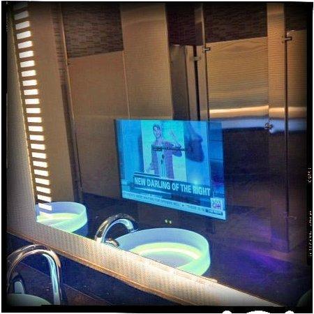 Grand Hyatt San Francisco: Mirror TVs.  Bathroom outside LL meeting rooms.