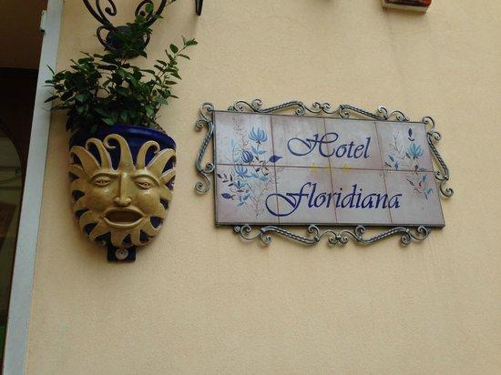 Floridiana Hotel: entrance