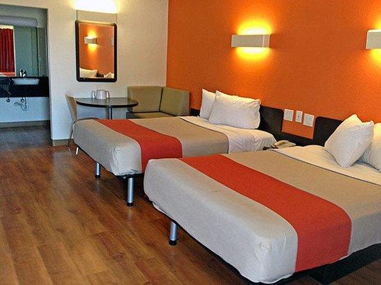 Motel 6 Texarkana : MDouble