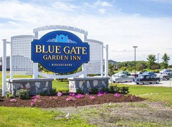 Blue Gate Garden Inn - Shipshewana Hotel: Exterior