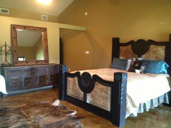 Waelder, TX: Guest Room