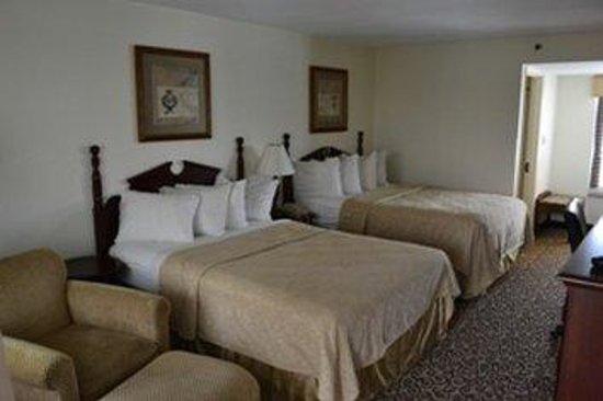 The Greenwood Hotel: DD