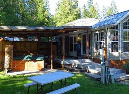 Robin Hood Village Resort: King Richard Cottage #8