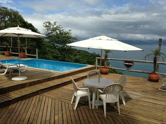 The Goldeneye Pousada: área da piscina