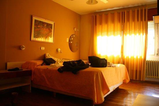 Gran Lourdes Hotel: Buena iluminasion