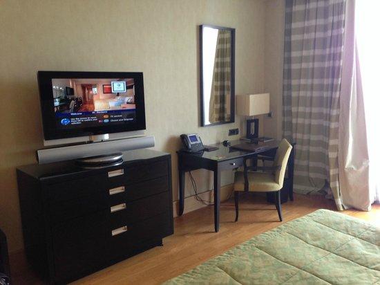 Kempinski Hotel Adriatic Istria Croatia: Blick in ein Superior-Room