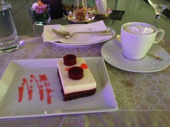 Kempinski Hotel Adriatic Istria Croatia: Wer kann zu solchen Dessertkreationen