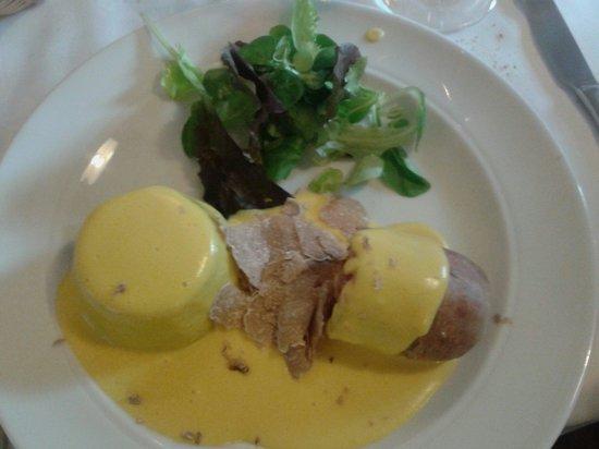 Osteria Italia : Cotechino con fonduta e sformato di bietole con grattata di tartufo bianco