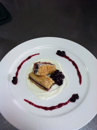 Whitehouse-Crawford Restaurant: Blueberry Shortbread