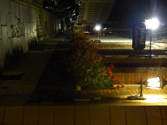 Anselmus Hotel: Visto di sera