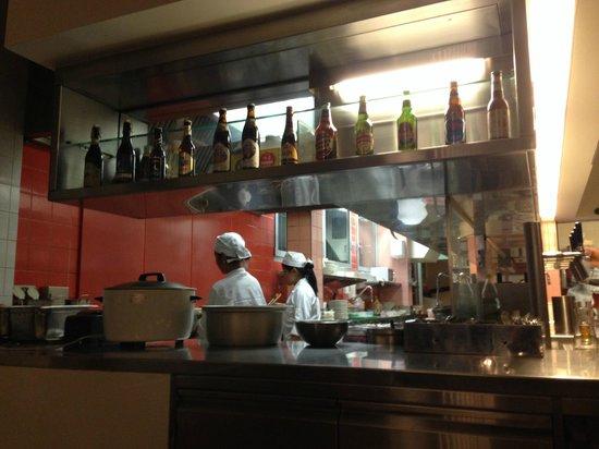 Lily's : kitchen