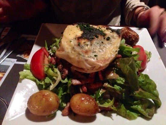 Au Bureau : Salade camembert