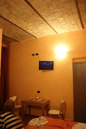 Cesare Balbo Inn : loved the ceiling