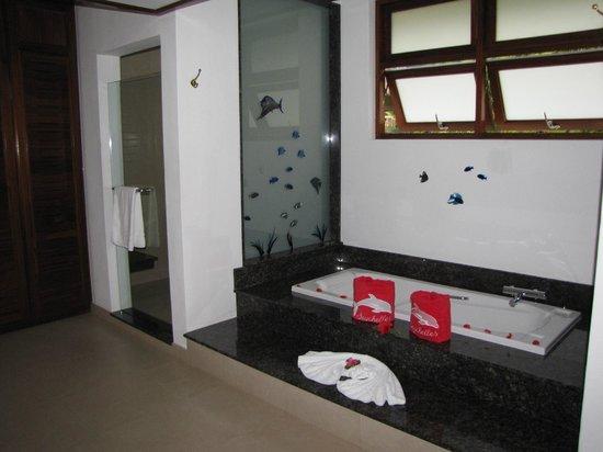 Le Domaine de La Reserve: salle de bain