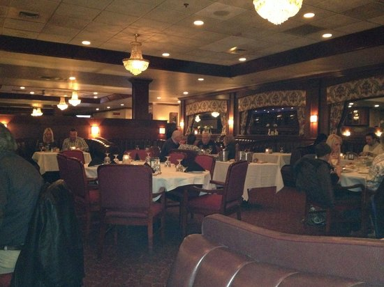 Lelli's Restaurant: Dining Room