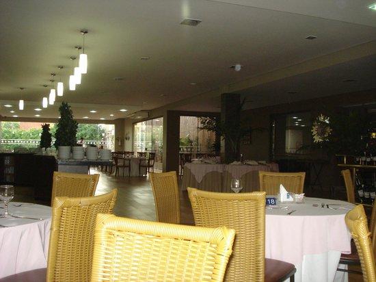 Hotel Foz do Iguacu: restaurante bem amplo