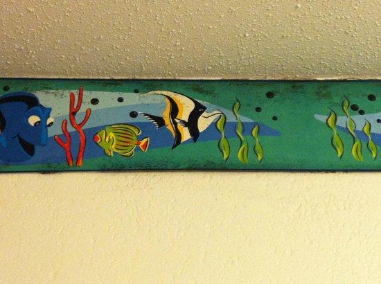Disney's Caribbean Beach Resort: Mold in the room on the wallpaper border