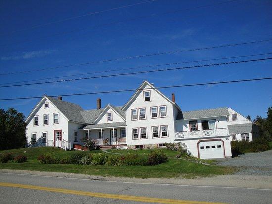 Acadia Oceanside Meadows Inn: The Inn