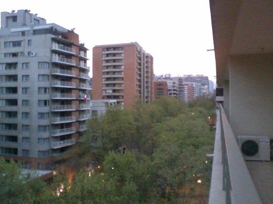 Versalles Suites: vista desde balcon piso 8