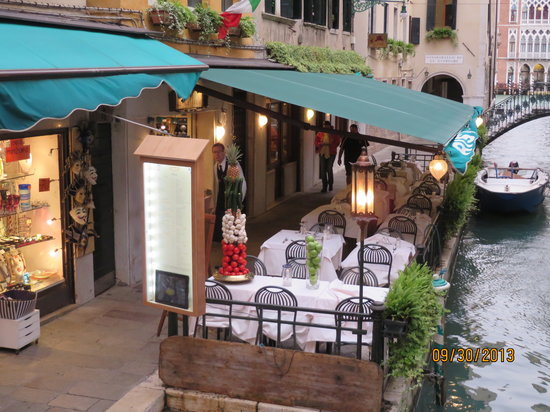 Ristorante Da Raffaele : Outside of the restaurant