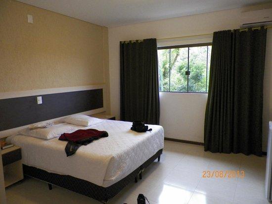 Hotel Cascata Das Pedras: Quarto