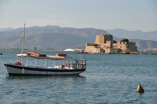 Pension Omorfi Poli: Nafplio Harbor