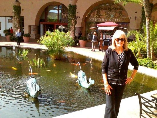 Avenue of the Arts Costa Mesa, a Tribute Portfolio Hotel: Fashion Island Mall