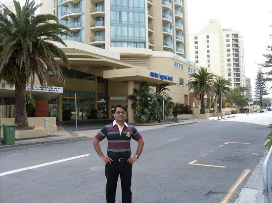 Mantra Legends Hotel: Front Look