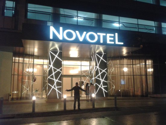 Novotel Panama City: hermoso el hotel por fuera y dentro