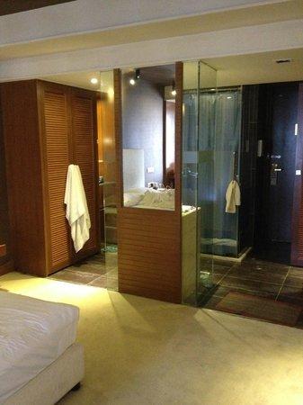 Jinguan Impression Apartment Hotel: Bathroom