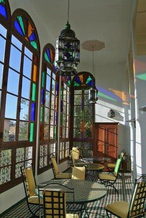 Ryad Mabrouka: Upper floor lounge