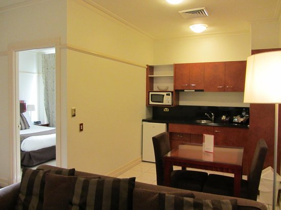 Adina Apartment Hotel Brisbane Anzac Square: Kitchenette
