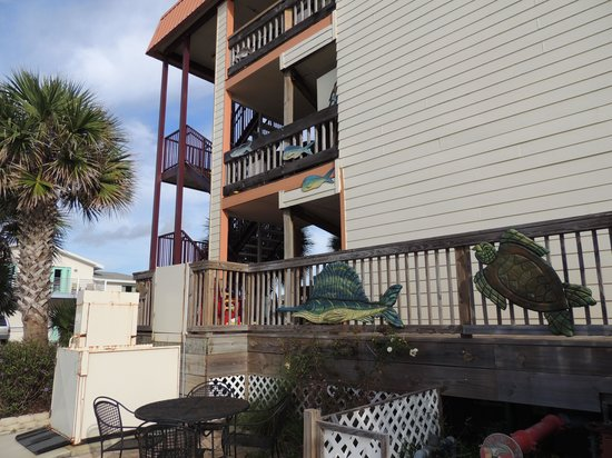The Saint Augustine Beach House : side view
