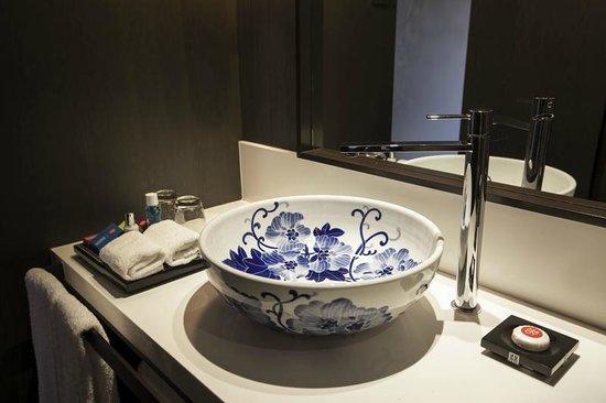 AMOY by Far East Hospitality : Wash Basin