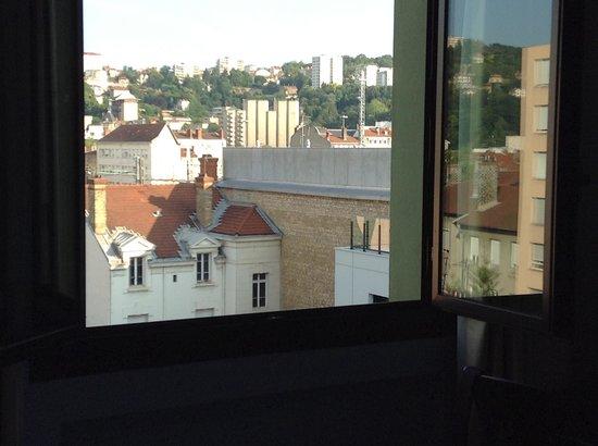 Hotel Berlioz : Vue de notre chambre