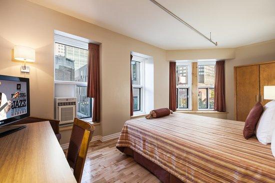 Hotel Quartier des Spectacles: Superior room - 1 queen bed