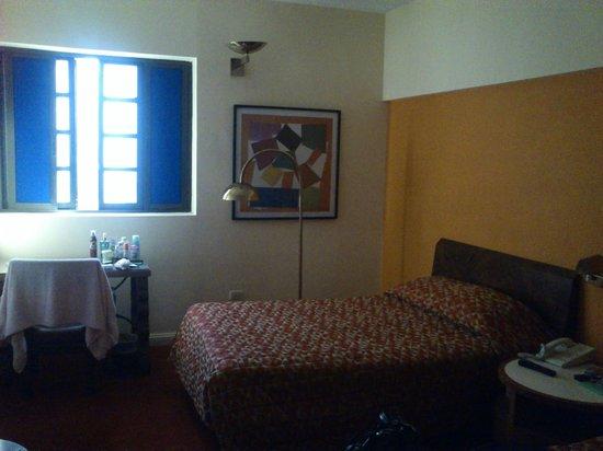 Mision Monterrey Centro Historico: Habitación del cuarto piso