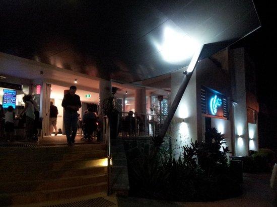 Amici Restaurant Pizzeria : Amici Cafe at night