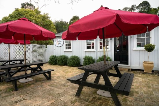 Indian Spice : Outdoor Seating