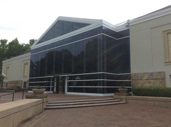 Mint Museum Randolph: Front Entrance