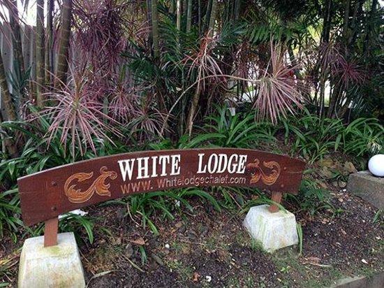 White Lodge Motel: Front Entrance Sign