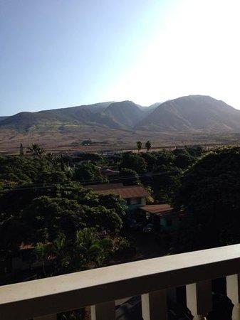 Lahaina Shores Beach Resort: room view