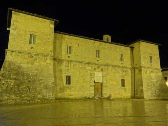 Museo Civico e Diocesano La Castellina : Castellina at night