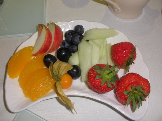 Belvoir Vale Cottage  B & B: fruit part of amazing breakfast