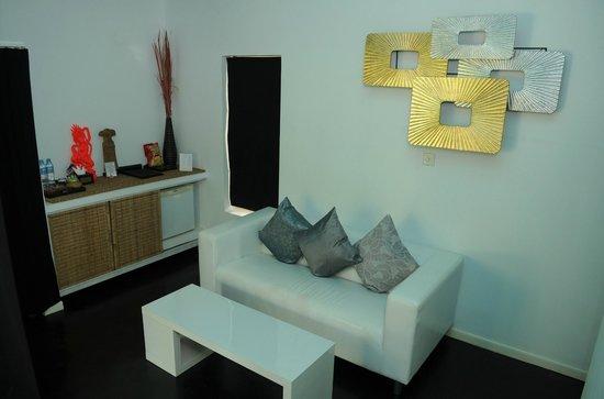 Suorkear Villa Resort: Junior suite living room