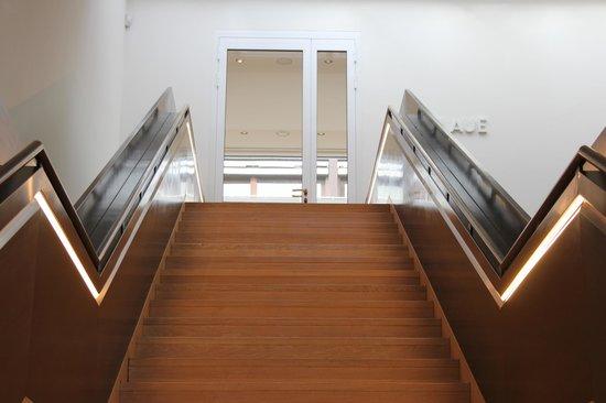 Städtische Galerie im Lenbachhaus: Treppauf, treppab