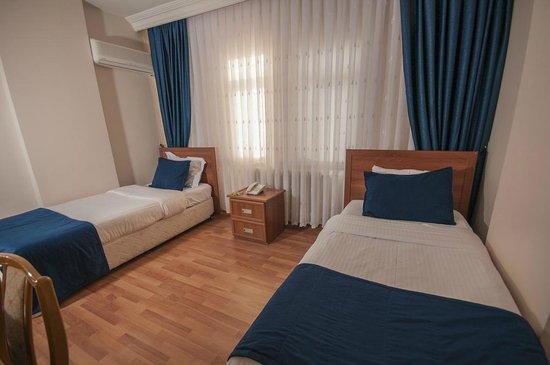 Saros Hotel: twn oda